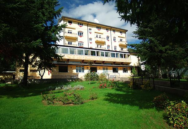 Hotel park 108 camminasila per una vacanza all 39 insegna for Cabine dell hotel di yellowstone del lago